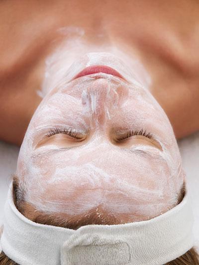 Behandeling | Gezichtsbehandeling | LIN huidverzorging Elst GLD | ANBOS