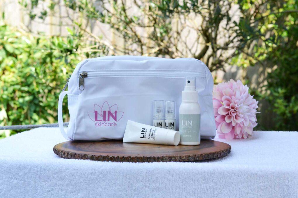 Mini's van LIN Skincare met gratis toilettas